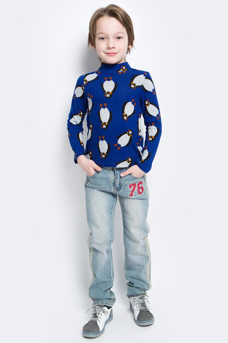Водолазка для мальчика M&D, цвет: синий. WJO16011M-9. Размер 128WJO16011M-9Мягкая и приятная водолазка для мальчика выполнена из эластичной вискозы. Модель с воротником-стойкой и длинными рукавами оформлена оригинальным изображением пингвинов.