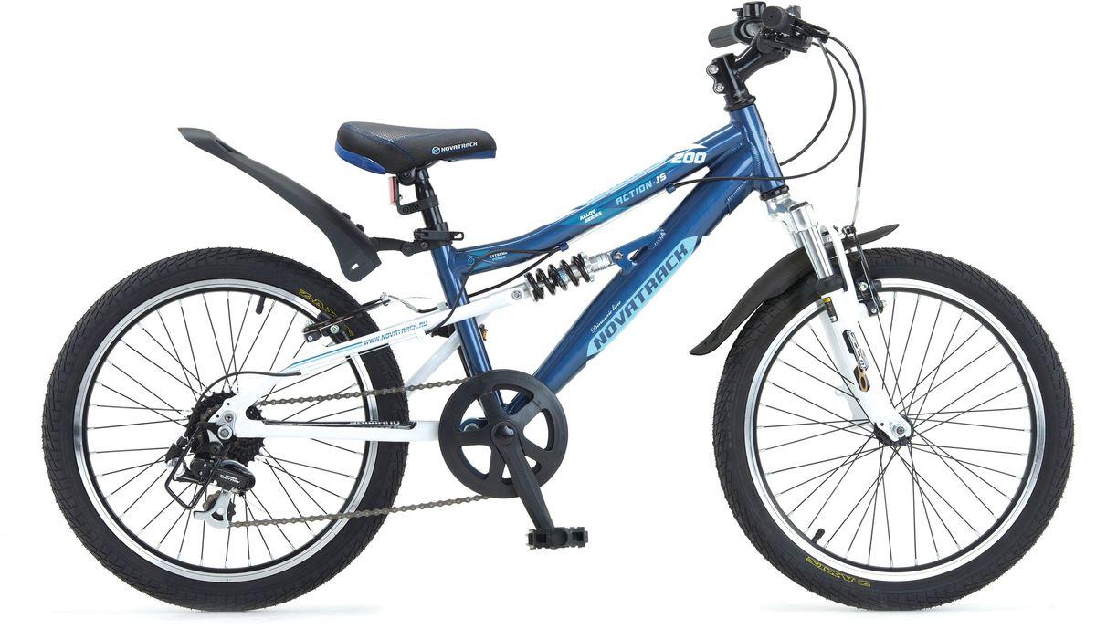 Велосипед детский Novatrack Action-JS200 , цвет: темно-синий, черный, голубой, 2020AS7V.ACTION.BL5Велосипед Novatrack Action-JS200  – это лучший велосипед для того, чтобы приобщить к катанию мальчика 7-10 лет. Рама велосипеда выполнена из алюминия, поэтому достаточно прочная и легкая, благодаря чему, ребенок сможет самостоятельно выносить свое транспортное средство во двор. Велосипед оснащен передним и задним амортизатором, поэтому катание даже по неровной дороге не доставит никакого дискомфорта. Руль и сидение велосипеда регулируются по высоте, чтобы как можно дольше соответствовать росту ребенка. Быстро затормозить помогут надежные тормоза типа V-brake. 7 скоростей позволят найти оптимальный режим езды при катании с горок и на горки. Эта модель прекрасно подойдет для обучения азам самостоятельного катания. Novatrack Action-JS200  очень надежный, поэтому готов к любым дорожным испытаниям.