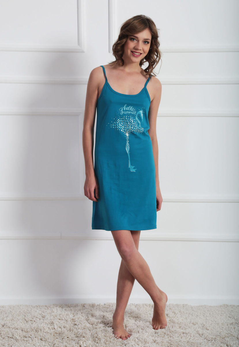 Платье домашнее Vienettas Secret, цвет: бирюзовый. 611099 0000. Размер M (46)611099 0000Домашнее платье Vienettas Secret выполнено из 100% натурального хлопка. Изделие на бретельках имеет глубокое декольте с круглым вырезом и длину мини. Модель свободного кроя не стесняет движений и комфортна для домашней носки. Платье выполнено в однотонном дизайне и дополнено изображением фламинго.