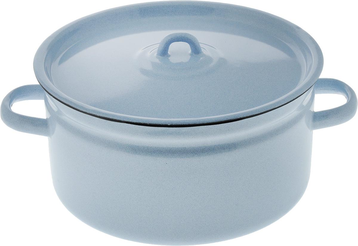 Кастрюля Лысьвенские эмали с крышкой, 5,5 лС-1617/РбКастрюля Лысьвенские эмали изготовлена из высококачественной стали с эмалированным покрытием. Эмалевое покрытие, являясь стекольной массой, не вызывает аллергию и надежно защищает пищу от контакта с металлом. Кроме того, такое покрытие долговечно, оно устойчиво к механическому воздействию, не царапается и не сходит, а стальная основа практически не подвержена механической деформации, благодаря чему срок эксплуатации увеличивается.Стальная крышка с эмалированным покрытием плотно прилегает к краю, сохраняя аромат блюд. Подходит для всех типов плит, включая индукционные. Можно мыть в посудомоечной машине.Внутренний диаметр кастрюли: 24 см.Высота кастрюли: 13 см. Ширина кастрюли (с учетом ручек): 31,5 см.