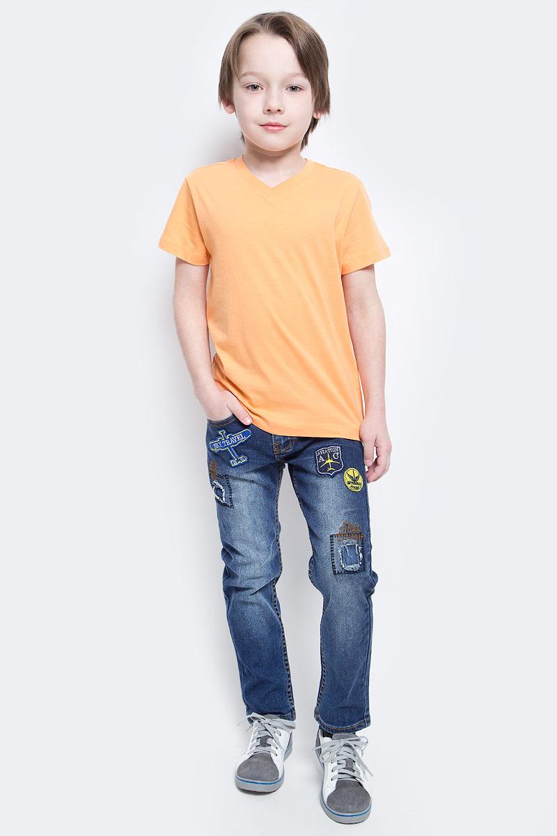 Джинсы для мальчика Sela Denim, цвет: синий джинс. PJ-835/341-7112. Размер 152PJ-835/341-7112Стильные джинсы для мальчика Sela выполнены из качественного эластичного хлопка с эффектом потертостей. Джинсы зауженного кроя и стандартной посадки на талии застегиваются на пуговицу и имеют ширинку на застежке-молнии. На поясе имеются шлевки для ремня. Модель представляет собой классическую пятикарманку: два втачных и один маленький накладной кармашек спереди и два накладных кармана сзади. Джинсы оформлены яркими нашивками и декоративными заплатками.