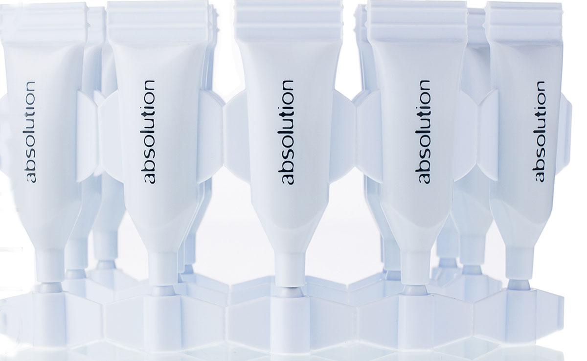 Absolution Сыворотка для проблемной кожи 15x1 млABS0030La Cure Peau Nette – по-настоящему эффективное мягкое средство. Благодаря очищающим и балансирующим свойствам нормализуется работа кожи, блеск, покраснение и прыщи уменьшаются или сходят на нет, а кожа восстанавливается через две недели постоянного применения.