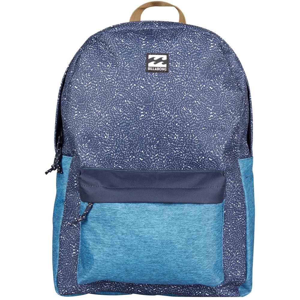 Рюкзак городской Billabong All Day Pack, цвет: синий3607869368578Компактный городской рюкзак, объема которого вполне достаточно для повседневных потребностей. Рюкзак для работы, учебы или пляжного отдыха. Классический дизайн с одним отделением, в которое можно сложить все, что угодно. Основное отделение закрывается на молнию. Спереди имеется объемный карман на молнии. Мягкие регулируемые лямки.Стильные расцветки сделают этот рюкзак не только полезным аксессуаром, но и замечательным дополнением вашего образа в целом.