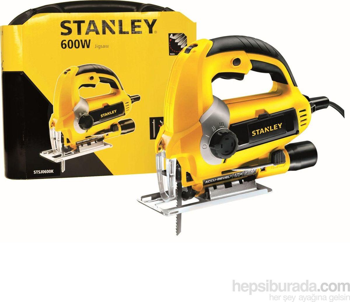 Лобзик Stanley. STSJ0600STSJ0600Лобзик Stanley справляется с высокими нагрузками. Подошва может наклоняться до 45°, для ее настройки не требуются дополнительные инструменты. Рукоятка снабжена резиновым покрытием, что делает рабочий процесс гораздо комфортнее. Предусмотрен специальный патрубок, к которому можно подключать пылесос. Благодаря этому рабочее место остается чистым.