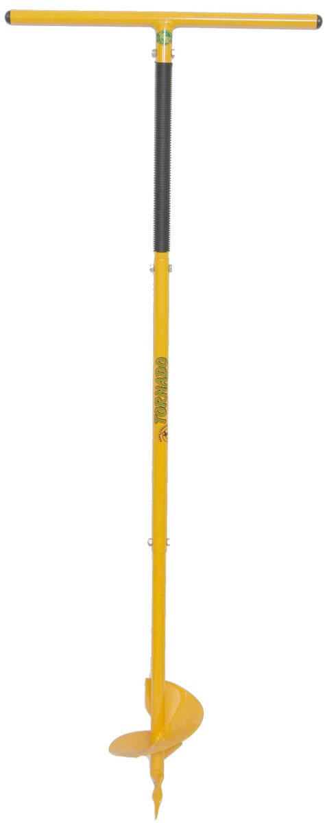 Бур садовый Торнадо Профи, длина 1,15-1,32 мTOR-32BURPROFТрадиции применения ручной ковки прочно воплотились во всех садовыхинструментах ТМ Торнадо. Садовый бур Торнадо-Профи - не исключение! Качественный, долговечный иэффективный инструмент - запросы сегодняшнего покупателя садовогоинструмента. Бур Торнадо-Профи - полностью им соответствует! Кованнаярабочая часть, изготовленная вручную, качественно отличается отаналогов и позволяет использовать его значительно дольше при работе натяжелых почвах. Бур имеет шнековую рабочую часть (шнек - стержень с сплошной винтовойповерхностью вдоль продольной оси), благодаря которой бур легко ввинчиваетсяв землю и копает яму. Особенности и преимущества Садового бура Торнадо-Профи: - Повышенная прочность конструкции. - Стандартная глубина бурения - 150 см. - Небольшой вес (2,750 кг), компактная упаковка. - Настройка роста и глубины бурения. - Российское производство.