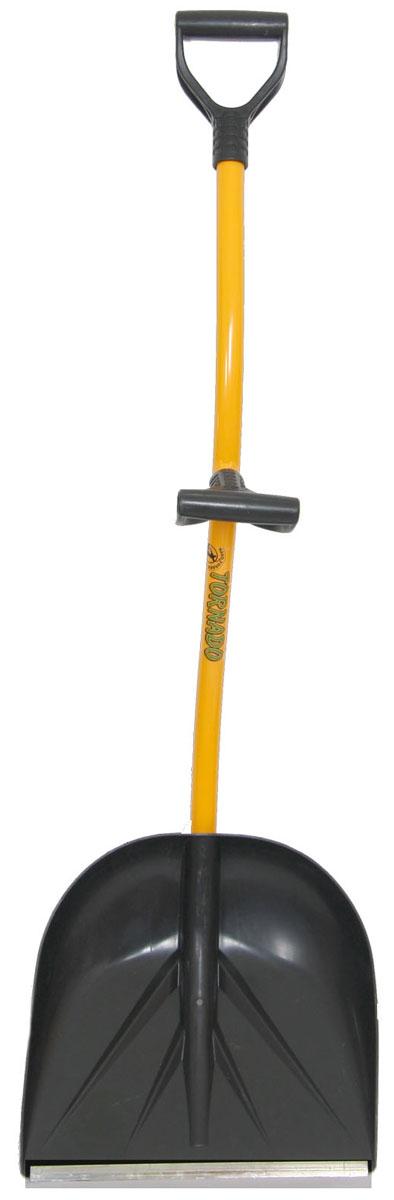"""Эргономичная лопата """"Торнадо"""" представляет собой инструмент для легкой и быстрой уборки снега или других сыпучих материалов. Черенок  изготавливается из специальной трубы, которая отличается прочностью и малым весом. Благодаря совку из морозоустойчивого пластика  возможна эксплуатация модели в зимний период."""