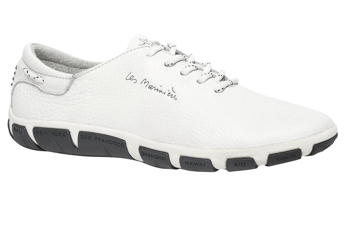 Кроссовки женские TBS Jazaru, цвет: светло-серый. JAZARU-B7017. Размер 36 (35)JAZARU-B7017Стильные женские кроссовки Jazaru от TBS - это легкость и свобода движения каждый день! Функциональные, практичные, удобные, они подходят для городской жизни и активного отдыха. Дизайн обуви позволяет носить ее под одежду любого стиля. Модель выполнена из натуральной кожи. Внутренняя отделка и стелька также исполнены из кожи. Шнуровка контрастного цвета надежно фиксирует изделие на ноге. Резиновая подошва с рельефной поверхностью обеспечивает идеальное сцепление. В таких кроссовках вы всегда будете выглядеть модно и стильно и, конечно же, не останетесь незамеченной.