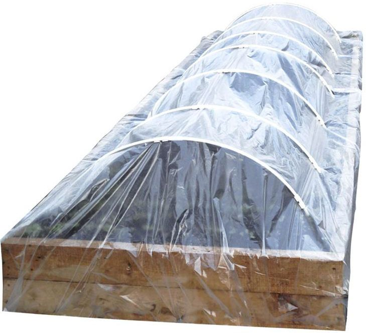 Парник-туннель сборный Garden Show, 5 х 1,15 х 0,58 м466014Парник-туннель сборный Garden Show имеет прочнуюконструкцию и отличается быстрым монтажом. В комплект длясборки входит каркас из ПВХ под зажимы 12 мм (14 полудуг и 7соединителей), пленка из полиэтилена (7 х 2 м), 2 колышка длякрепления пленки (длина 25 см) и шпагат.Такой парник защитит молодые растения от холода, сильноголивня и ветра, от насекомых и птиц. Поддерживаетоптимальный микроклимат в прохладное время года, в случаетеплых и солнечных дней пространство парника следуетпроветривать.