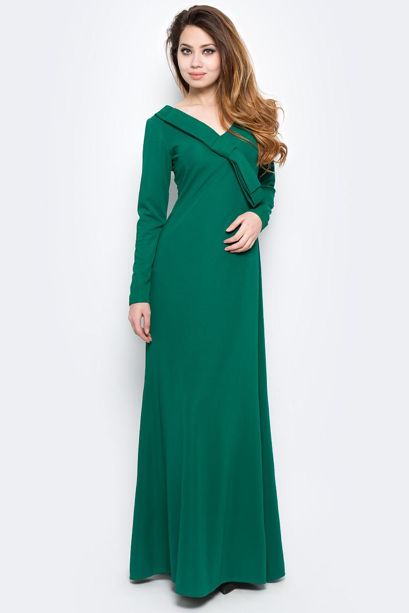 Платье Be in, цвет: зеленый. Пл 163х-5. Размер М (46/48)Пл 163х-5Стильное платье Be in изготовлено из качественной смесовой ткани и застегивается сзади на молнию. Модель длины макси с длинными рукавами оформлена большим декоративным бантом около горловины. Платье Be in - для девушки, стремящейся всегда оставаться стильной и элегантной.