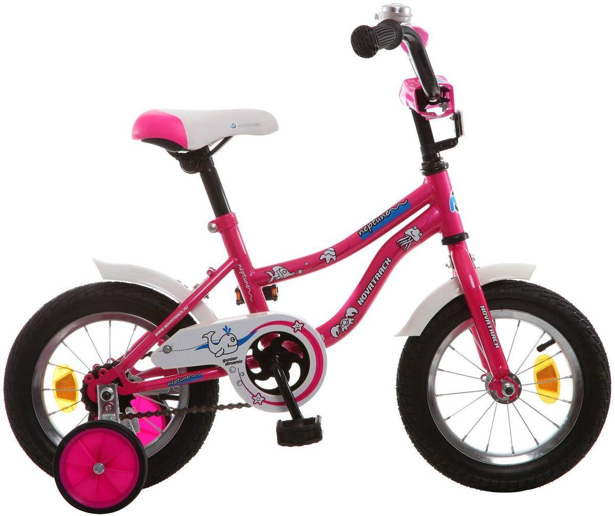 Велосипед детский Novatrack Neptune, цвет: розовый, белый, 12123NEPTUN.PN5Novatrack Neptune - это отличный подарок для ребенка 2-4 лет. Эта модель объединяет в себе привлекательный дизайн, легкость, отличную управляемость и универсальность. Ваш ребенок будет просто счастлив, став обладателем такой замечательной техники. Велосипед полностью подготовлен для того, чтобы маленьким велосипедистам было комфортно и интересно учиться самостоятельно кататься. Яркий дизайн, регулируемые сидение и руль с надежной фиксацией, защита цепи, велосипедный звонок, мягкие накладки на руле, катафоты, стильные укороченные крылья - все продумано до мелочей.