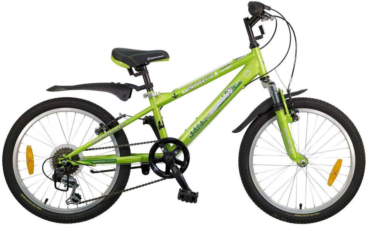 Велосипед детский Novatrack Extreme, цвет: зеленый, 2020SH6V.EXTREME.GN5Novatrack Extreme - это безопасный и надежный велосипед для мальчиков 7-10 лет, который поможет освоить азы катания на скоростном велосипеде. 20 дюймовые колеса уже отличают эту модель от велосипедов, на которых катаются дошколята. Велосипед оснащен 6-скоростной системой переключения передач, амортизационной вилкой, передним ручным тормозом, регулируемым сидением и рулем, для обеспечения удобной посадки. Велосипед достаточно легкий, поэтому ребенок сможет самостоятельно его транспортировать из дома во двор. Novatrack Extreme предназначен для активной езды и готов к любым испытаниям на детской площадке, в парке и других местах, пригодных для катания.Какой велосипед выбрать? Статья OZON Гид
