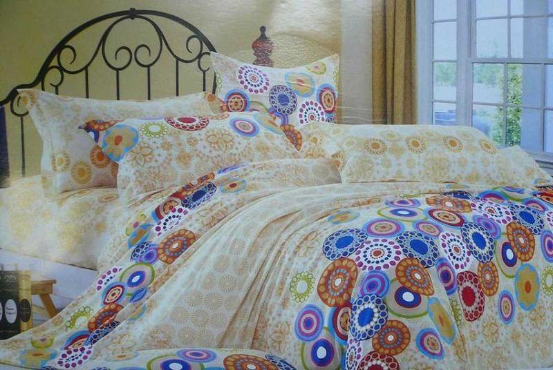 Комплект белья МарТекс Калейдоскоп, 1,5-спальный, наволочки 50х7001-0339-1Комплект постельного белья МарТекс Калейдоскоп, выполненный из сатина (100% хлопок), состоит из пододеяльника,простыни и двух наволочек. Изделия оформлены оригинальным принтом. Сатин - прочная, легкая и мягкая на ощупь ткань. Белье из него нелиняет при стирке и легко гладится. Эта ткань традиционно считаетсяодной из лучших для изготовления постельного белья.Такой комплект подойдет для любого стилевого и цветового решения интерьера, а также создаст в доме уют. Приобретая комплект постельного белья МарТекс, вы можете быть уверенны в том, что покупкадоставит вам и вашим близким удовольствие и подарит максимальный комфорт.