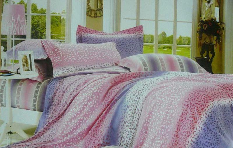 Комплект белья МарТекс Лоза, 1,5-спальный, наволочки 50х7001-0342-1Комплект постельного белья МарТекс Лоза, выполненный из сатина (100% хлопок), состоит из пододеяльника, простыни и двух наволочек. Изделия оформлены оригинальным принтом. Сатин - прочная, легкая и мягкая на ощупь ткань. Белье из него нелиняет при стирке и легко гладится. Эта ткань традиционно считаетсяодной из лучших для изготовления постельного белья.Такой комплект подойдет для любого стилевого и цветового решения интерьера, а также создаст в доме уют. Приобретая комплект постельного белья МарТекс, вы можете быть уверенны в том, что покупкадоставит вам и вашим близким удовольствие и подарит максимальный комфорт.