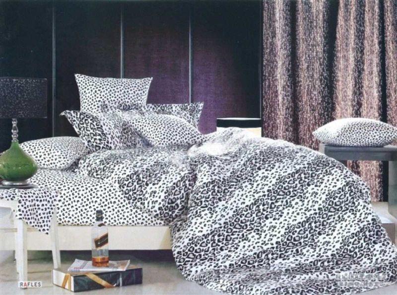 Комплект белья МарТекс Барс, 1,5-спальный, наволочки 50х7001-0353-1Комплект постельного белья МарТекс Барс, выполненный из сатина (100% хлопок), состоит из пододеяльника, простыни и двух наволочек. Изделия оформлены оригинальным принтом. Сатин - прочная, легкая и мягкая на ощупь ткань. Белье из него нелиняет при стирке и легко гладится. Эта ткань традиционно считаетсяодной из лучших для изготовления постельного белья.Такой комплект подойдет для любого стилевого и цветового решения интерьера, а также создаст в доме уют. Приобретая комплект постельного белья МарТекс, вы можете быть уверенны в том, что покупкадоставит вам и вашим близким удовольствие и подарит максимальный комфорт.