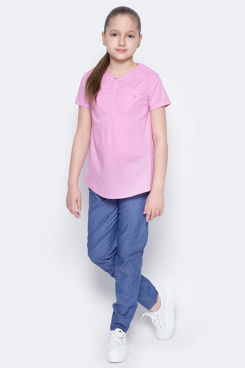 Блузка для девочки Sela, цвет: лиловый. Bs-612/855-7223. Размер 152, 12 летBs-612/855-7223Стильная блузка для девочки Sela выполнена из натурального хлопка и дополнена двумя накладными карманами. Модель А-силуэта с круглым вырезом горловины и короткими рукавами застегивается на пуговицы до середины груди, скрытые планкой. Блузка подойдет для прогулок и дружеских встреч и будет отлично сочетаться с джинсами и брюками, и гармонично смотреться с юбками. Мягкая ткань комфортна и приятна на ощупь.
