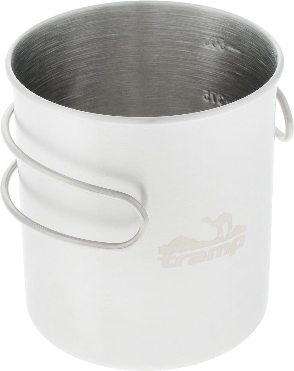 """Кружка """"Tramp"""" изготовлена из долговечной нержавеющей стали. Ее удобно использовать  для приготовления еды на горелке. Можно быстро перекусить по дороге или подогреть  остывший чай. На стенке имеется шкала объема.  Объем: 500 мл. Диаметр по верхнему краю: 9 см. Высота стенки: 9,5 см."""