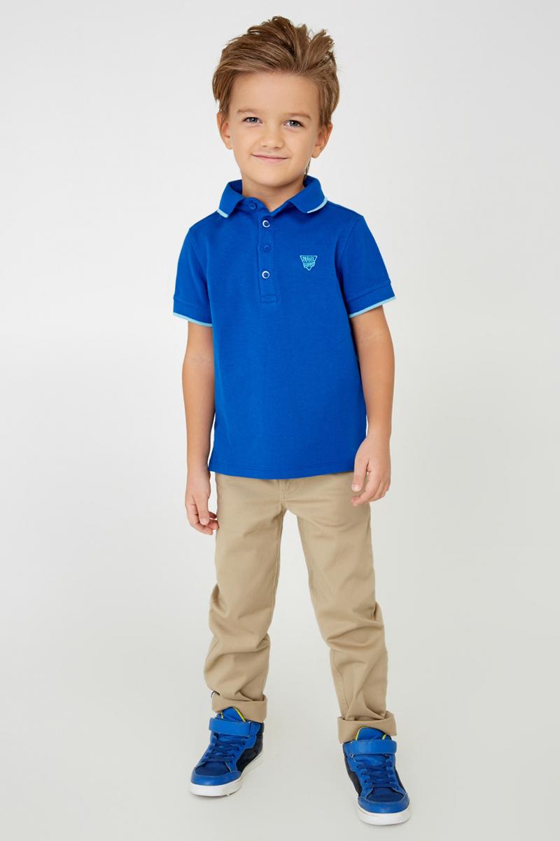 Поло для мальчика Acoola Shamrock, цвет: синий. 20100100007_500. Размер 12820100100007_500Яркая футболка-поло для мальчика Acoola Shamrock идеально подойдет вашему ребенку. Изготовленная из хлопка пике, она необычайно мягкая и приятная на ощупь, не сковывает движения и позволяет коже дышать, не раздражает даже самую нежную и чувствительную кожу ребенка, обеспечивая ему наибольший комфорт. Футболка-поло с короткими рукавами и отложным воротничком застегивается на четыре пуговицы сверху. По бокам имеются небольшие разрезы. Спереди изделие украшено вышитыми надписями. Однотонная футболка-поло будет великолепно сочетаться с любыми вещами. Оригинальный современный дизайн и модная расцветка делают эту футболку стильным предметом детского гардероба. В ней ваш маленький мужчина будет чувствовать себя уютно, комфортно и всегда будет в центре внимания!