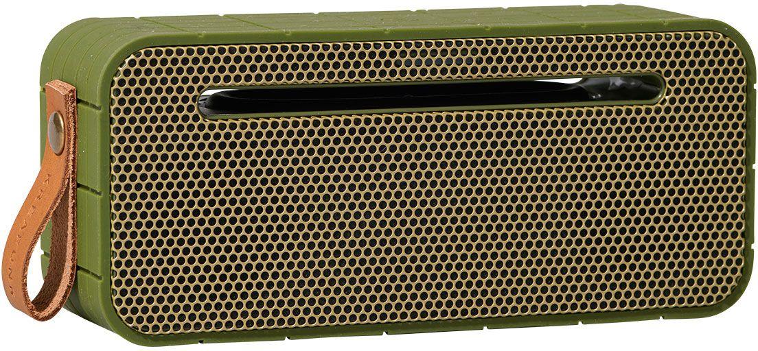 Kreafunk aMOVE, Army беспроводная портативная колонкаKfng68Kreafunk aMOVE – компактная беспроводная колонка в стильном ретро-дизайне. Подключается к смартфону через Bluetooth или с помощью кабеля 3,5 мм (mini-jack), который входит в комплект. Колонка способна работать до 20 часов без подзарядки (при 80% громкости), а благодаря встроенному микрофону с системой hands free можно принимать звонки. Корпус имеет нескользящее прорезиненное покрытие, что придает ему дополнительную устойчивость. aMOVE компактная и легкая, ее можно брать с собой на пляж, пикник, в поход или в путешествие. Колонку также можно использовать в качестве зарядного устройства. Качественное воспроизведение звука, простота эксплуатации и лаконичный дизайн не оставят равнодушными всех ценителей прекрасного. Поставляется в красивой деревянной коробке, которую украшают слова из песни Боба Марли: Одна хорошая вещь о музыке, когда она бьет по вам, вы не чувствуете боли.Емкость аккумулятора: 1800 мАч