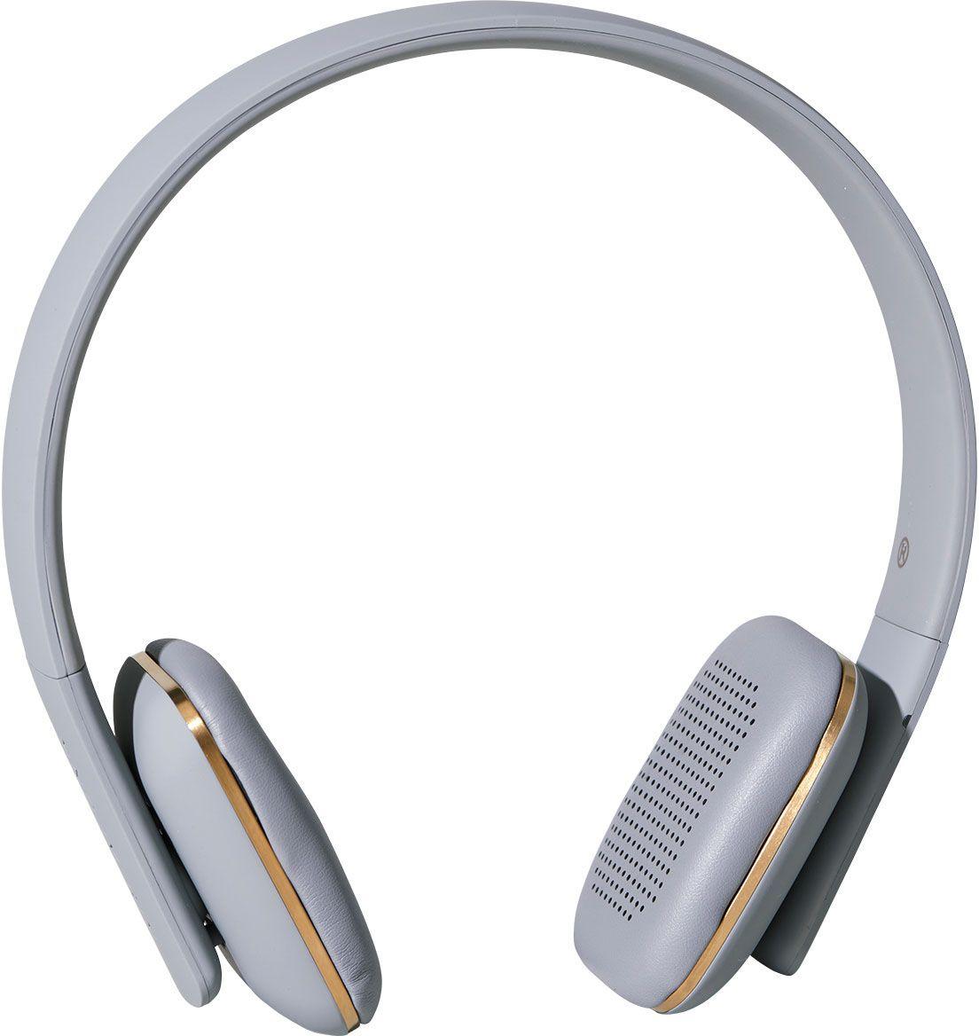 Kreafunk aHEAD, Grey наушникиKfss09Kreafunk aHEAD - беспроводные наушники, созданные для настоящих меломанов и модников. Это не только полезный гаджет, но и стильный аксессуар, который дополнит имидж и подчеркнет индивидуальность. Наушники оснащены Bluetooth-гарнитурой и совместимы с любым смартфоном. Панель управления находится на одном из наушников, что позволяет легко регулировать музыку, уровень громкости или даже принимать телефонные звонки. Подушки наушников выполнены из мягкой эко-кожи, а настраиваемый ободок имеет приятное покрытие soft touch. Великолепное качество звука, простота эксплуатации и лаконичный дизайн - этим гаджетом захочется пользоваться изо дня в день. В комплекте фирменный мешочек из PU кожи. Поставляются в стильной деревянной упаковке, поэтому могут стать отличным подарком меломанам и всем поклонникам скандинавского дизайна. Также коробку украшают слова Фридриха Ницше: Без музыки жизнь была бы ошибкой.