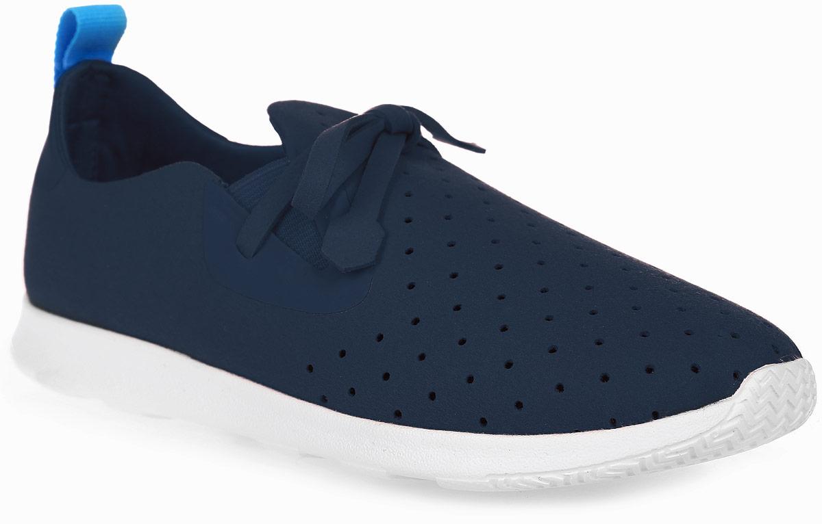 Кроссовки детские Native Apollo Moc, цвет: темно-синий. 22104000-4201. Размер J1 (31)22104000-4201Модные суперлегкие кроссовки Apollo Moc от Native очаруют вашего ребенка с первого взгляда. Модель, выполненная из текстиля, оформлена декоративной перфорацией. Эластичные вставки на подъеме гарантируют оптимальную посадку обуви на ноге. Ярлычок на заднике облегчает обувание модели. Внутренняя поверхность и стелька из мягкого текстиля предотвращают натирание и дарят комфорт.Подошва из легкой резины с рифлением обеспечивает отличное сцепление с любой поверхностью. В таких кроссовках ножкам вашего ребенка всегда будет комфортно и уютно!