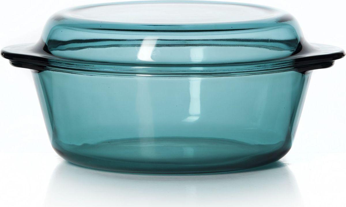 """Круглая кастрюля для СВЧ Pasabahce """"Borcam"""" изготовлена из термостойкого цветного стекла и оснащена крышкой, которую также можно использовать как отдельную емкость. Стекло - самый безопасный для здоровья материал. Посуда из стекла не вступает в реакцию с готовящейся пищей, а потому не выделяет никаких вредных веществ, не подвергается воздействию кислот и солей. Из-за невысокой теплопроводности пища в стеклянной посуде гораздо медленнее остывает. Стеклянная посуда очень удобна для приготовления и подачи самых разнообразных блюд: супов, вторых блюд, десертов. Благодаря прозрачности стекла, за едой можно наблюдать при ее готовке, еду можно видеть при подаче, хранении. Используя кастрюлю, вы можете как приготовить пищу, так и изящно подать ее к столу, не меняя посуды. Благодаря гладкой идеально ровной поверхности посуда легко моется.Можно использовать в духовках, микроволновых печах и морозильных камерах (выдерживает температуру от - 30°C до 300°C). Можно мыть в посудомоечной машине."""