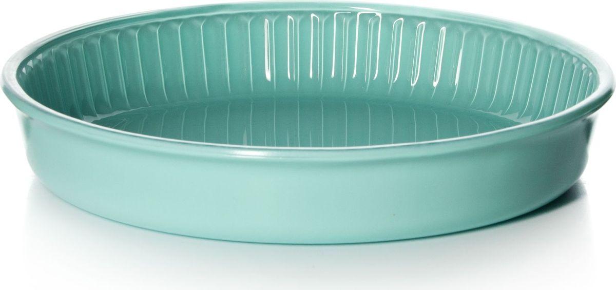 Форма для запекания Pasabahce, диаметр 26 см. 59044GR59044GRКруглая форма Pasabahce выполнена из жаропрочного стекла, что позволяет использовать ее для запекания различных блюд. Форма не вступает в реакцию с готовящейся пищей, не выделяет никаких вредных веществ и не подвергается воздействию кислот и солей. Из-за невысокой теплопроводности пища в стеклянной посуде гораздо медленнее остывает. Поэтому в такой форме вы можете как приготовить пищу, так и изящно подать ее к столу, не меняя посуды. Благодаря прозрачности стекла за едой можно наблюдать при ее готовке. Стеклянная посуда очень удобна для приготовления и подачи самых разнообразных блюд.Форма дополнена рельефом с внутренней стороны. Посуду можно использовать в СВЧ и духовом шкафу при температуре до +300°С, ставить в морозилку при температуре -40°С, а также мыть в посудомоечной машине. Диаметр формы: 26 см.
