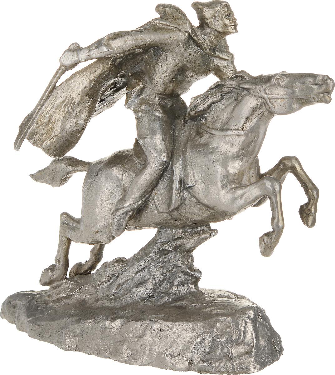 Статуэтка В. И. Чапаев верхом на коне. Алюминиевый сплав. СССР, вторая половина ХХ века статуэтка кролик 30 х 20 х 29 см