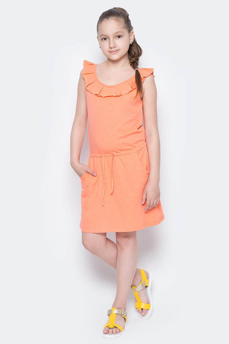 Платье для девочки Sela, цвет: коралловый. Dksl-617/032-7244. Размер 146, 11 летDksl-617/032-7244Стильное платье для девочки Sela выполнено из натурального хлопка и дополнено двумя втачными карманами. Модель прямого кроя без рукавов имеет вшитый пояс на кулиске, подчеркивающий линию талии, и оформлена воланом вдоль выреза горловины. Мягкая ткань комфортна и приятна на ощупь. Круглый вырез горловины и проймы дополнены мягкой эластичной бейкой. Платье подойдет для прогулок и дружеских встреч и станет отличным дополнением гардероба юной модницы в летний период.