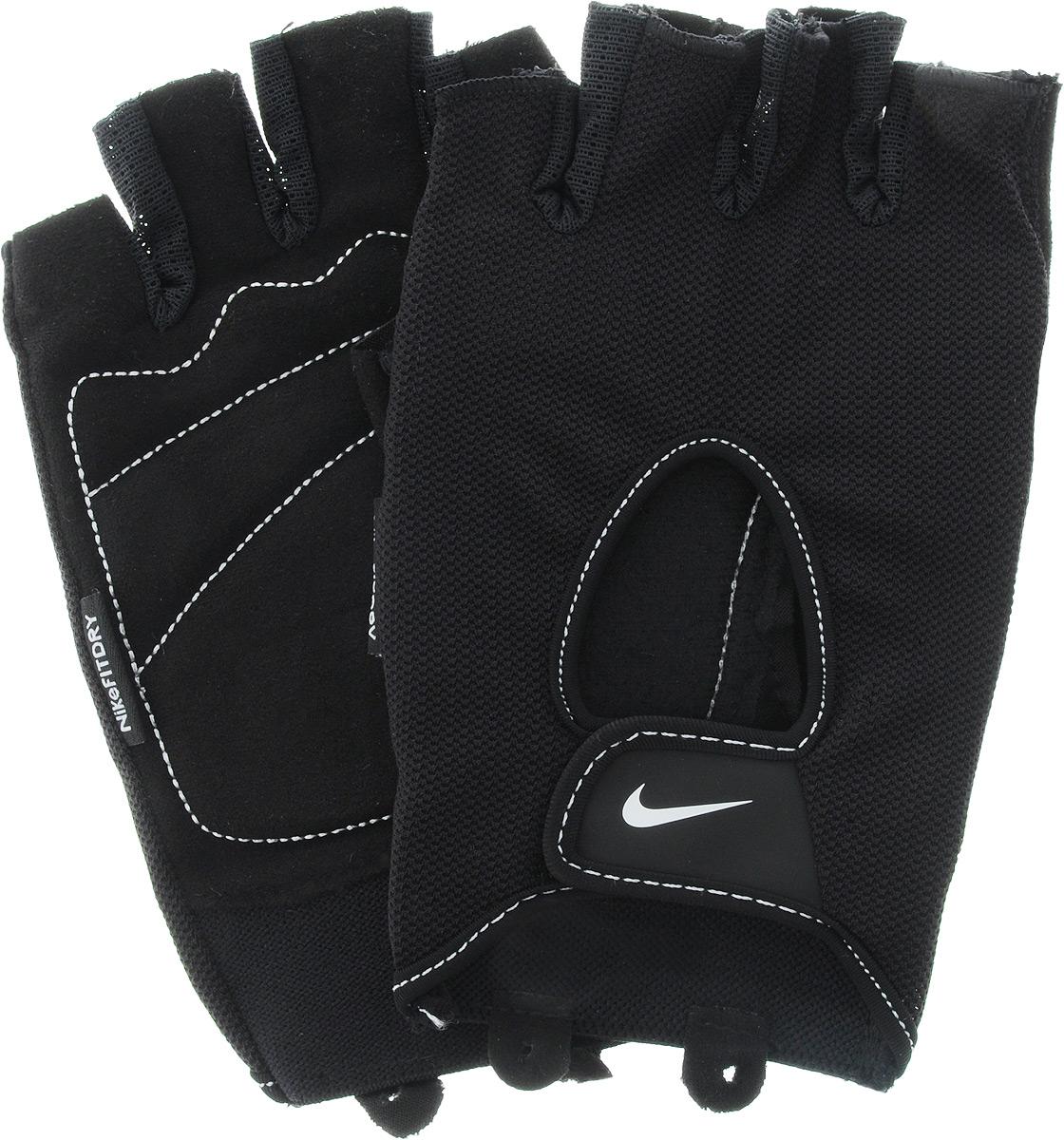 Перчатки для фитнеса мужские Nike Mens Fundamental Training Gloves, цвет: черный. Размер S9.092.051.037.Удобные перчатки Nike Mens Fundamental Training Gloves для фитнеса оформлены цветным логотипом бренда Nike. Трафаретная печать swoosh-лого на внешней стороне модели обеспечивает моментальную идентификацию бренда.Ладонь прошита в линиях сгиба, обеспечивая тем самым необходимое смягчение в самых важных зонах. Внутренняя часть перчаток выполнена из мягкой искусственной замши, что обеспечивает комфорт и долговечность в использовании данного аксессуара.Регулируемая застежка на запястье обеспечивает надежную посадку.