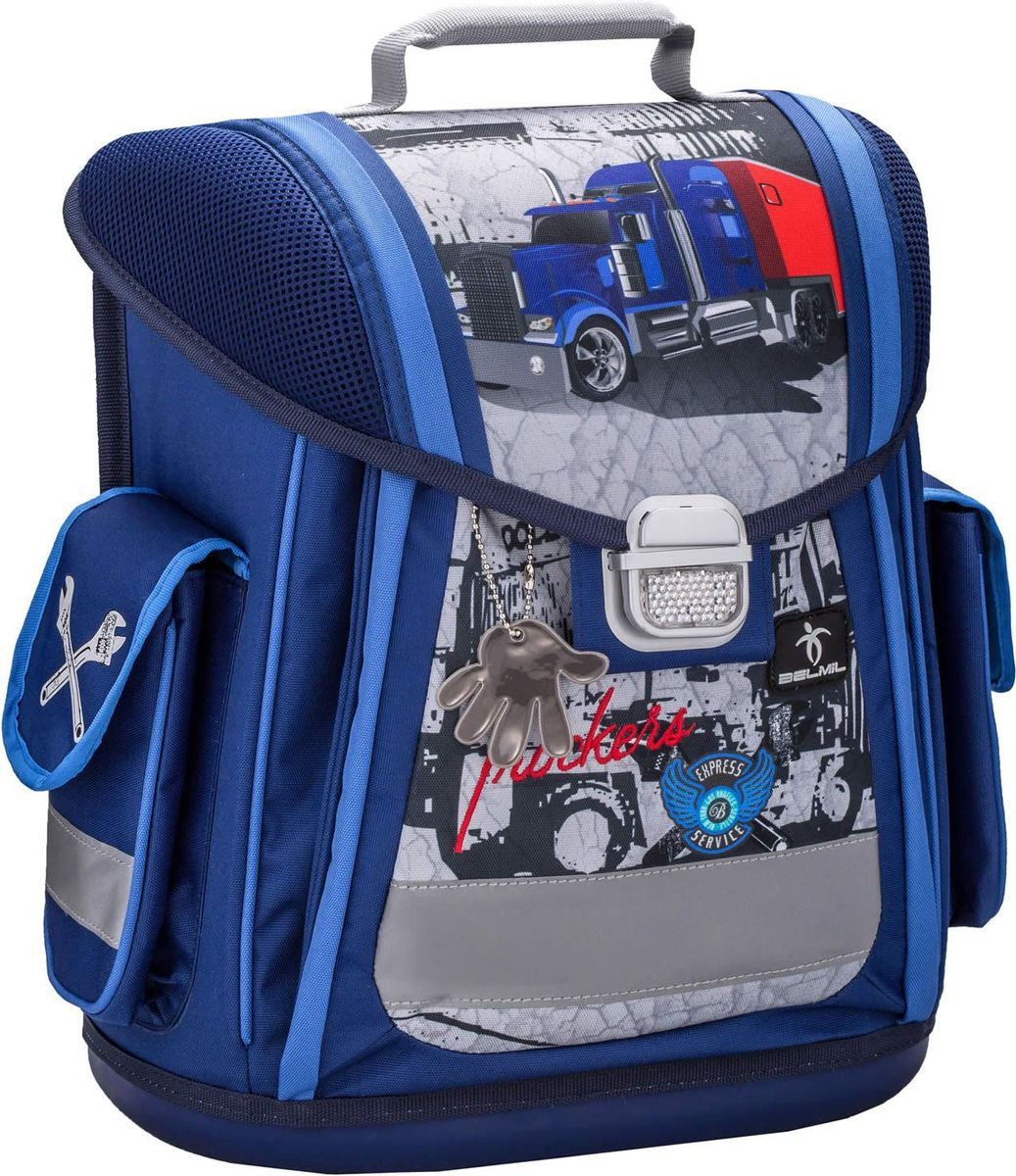 Belmil Ранец школьный Sporty Trucker404-5/576Ранец Belmil Sporty Trucker выполнен с анатомической спинкой, которая надежно защищает спину ребенка от перегрузки. Мягкие широкие и регулируемые лямки имеют систему распределения нагрузки, что также помогает сохранить осанку школьника. Пластиковое дно надежно оберегает учебники и тетради от воды. Вместительные внутренние отделения, в главном - разделители для учебников и тетрадей. Рюкзак имеет боковые карманы на липучке. Крышка имеет две отдельные ручки, каждая из которых предназначена для различных целей: резиновая ручка служит безопасной и удобной рукоятки в детских маленьких руках, а другая используется, чтобы повесить сумку в шкафчике или на парте.Ранец легко закрывается на металлический замок со светоотражателем. Широкие светоотражающие полоски по всему периметру ранца существенно повышают безопасность ребенка на дороге.
