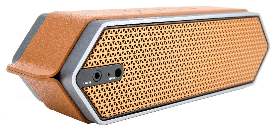 DreamWave Harmony портативная Bluetooth-колонка15119099DreamWave Harmony – это элегантная колонка премиум-класса, которая способна передавать музыку так, как это задумывал исполнитель. Модель обладает выходной мощностью в 16 Вт, оборудована встроенным аккумулятором ёмкостью 4500 мАч, что позволяет ей играть громче и дольше в сравнении с конкурентами. Благодаря сочетанию передовых технологий и тончайших настроек звука, Harmony в состоянии передать музыку во всей полноте, сохраняя её первозданную глубину и ясность. Благодаря функции гарнитуры вы сможете отвечать на входящие вызовы, на время разговора музыка будет останавливаться, а по окончании разговора снова вернётся к воспроизведению. В комплектации с колонкой поставляется мягкий бархатный чехол-сумка для удобной транспортировки, что позволяет брать её везде с собой и наслаждаться музыкой дома, в офисе, в машине или во время тренировок. Harmony украшена декоративной полосой, стилизованной под кожу, сетка динамиков выполнена в стиле медовых сот, а звук исходит с обеих сторон колонки. Премиальная Hi-Fi-колонка с мощностью 16 ВтBluetooth CSR 4.0 + EDR, A2DP AVRCP, APTXАккумулятор 4500 мАчРаботает до 20 часов подряд (6 часов на максимальной громкости)Звонки хэндз-фри, бесконтактная связь по NFCЗвук Hi-Fi, защита от помехСумка из мягкого вельвета в комплекте