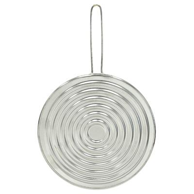 """Рассекатель огня """"Metaltex"""" с минеральным волокном, выполненный из нержавеющей стали, предназначен для того, чтобы жар распределялся равномерно по всему дну посуды и ничего не пригорало. Можно использовать как противоразбрызгиватель или как подставку под горячее.   Характеристики:  Материал: нержавеющая сталь, минеральное волокно. Диаметр: 19 см. Длина ручки: 11 см. Изготовитель: Италия. Артикул: 20.40.19."""