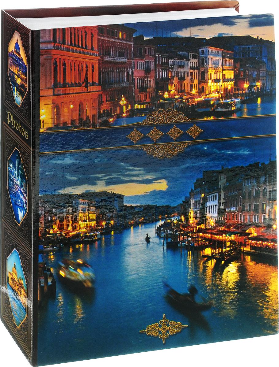 Фотоальбом Pioneer Венеция, 200 фотографий, 10 x 15 см46535 LM-4R200Фотоальбом Pioneer Венеция поможет красиво оформить ваши самые интересные фотографии. Обложка, выполненная из толстого ламинированного картона, оформлена ярким изображением Венеции. Внутри содержится блок из 100 белых листов с фиксаторами-окошками из полипропилена. Альбом рассчитан на 200 фотографий формата 10 х 15 см (по 1 фотографии на странице). Переплет - высокочастотная сварка.Нам всегда так приятно вспоминать о самых счастливых моментах жизни, запечатленных на фотографиях. Поэтому фотоальбом является универсальным подарком к любому празднику.Количество листов: 100.