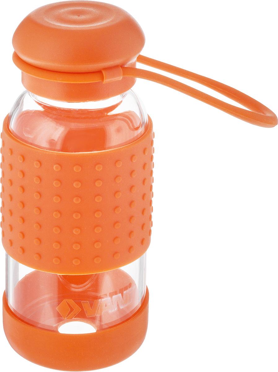 Бутылка для воды VANI, цвет: оранжевый, 360 мл2009/01Многоразовая бутылка для воды Vani пригодится вспортзале, на прогулке, дома и на даче. Бутылкавыполнена из высококачественного упрочненного стекла,она способна выдержать температуру от -20 до 100°С.Имеет силиконовую ручку для переноски. Крышка изготовлена из пищевого пластика,нержавеющей стали и силиконового кольца. Герметичнозакрывается. Силиконовые вставки на стекле предохраняют от ожогови скольжения в руках.Диаметр горлышка: 4 см.Высота бутылки (с учетом крышки): 15,8 см.Диаметр дна: 6,5 см.