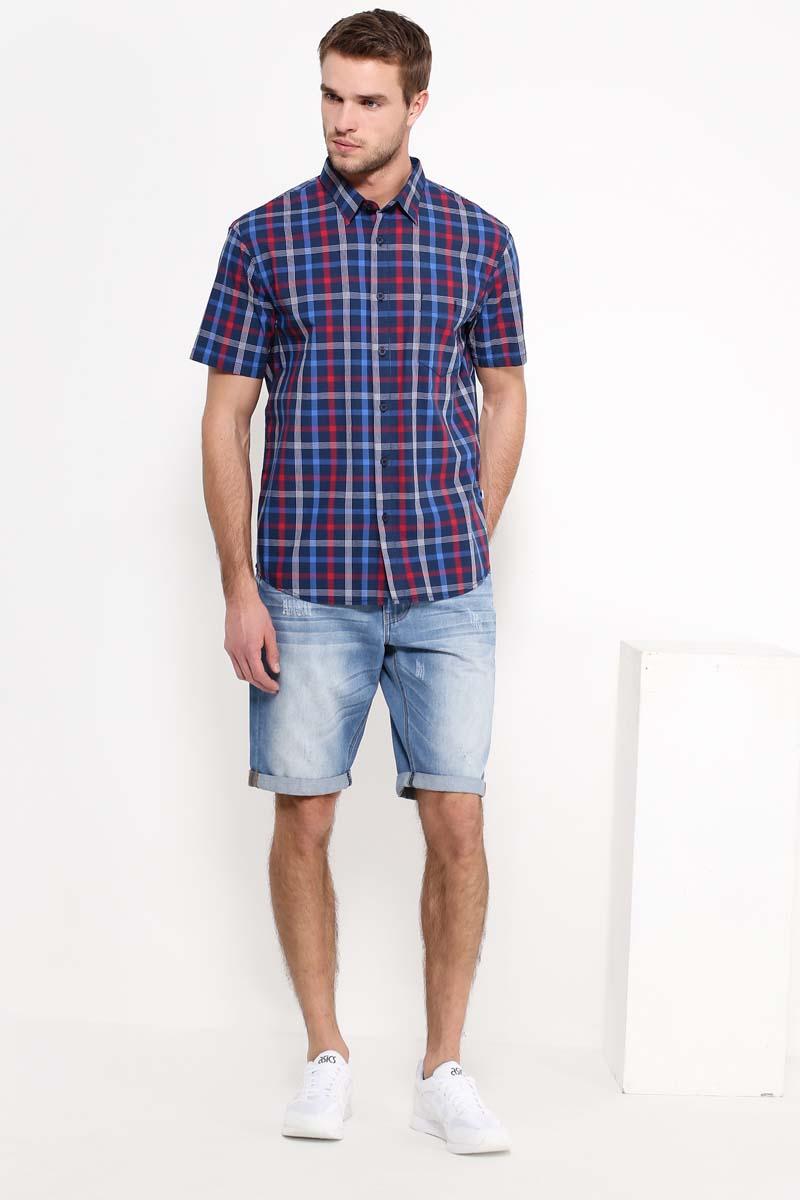Рубашка мужская Finn Flare, цвет: темно-синий, красный. S17-22014_101. Размер XXL (54)S17-22014_101Рубашка с короткими рукавами – must-have в летнем гардеробе любого мужчины. Это невероятно удобный и в то же время стильный элемент образа, ведь помимо приталенного кроя и удобной для комбинирования расцветки, вы можете наслаждаться комфортом благодаря качественному составу ткани. Такую модель можно сочетать в джинсами, летними брюками и даже шортами.