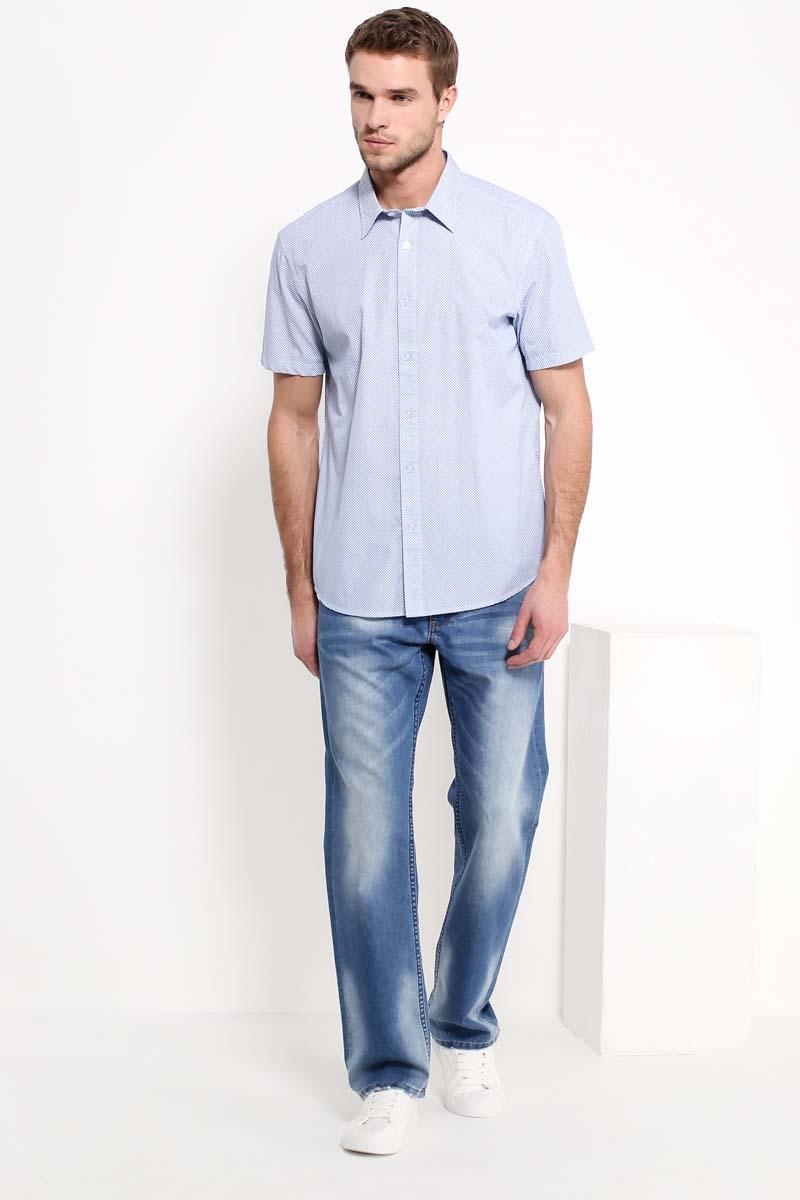 Рубашка мужская Finn Flare, цвет: ярко-синий. S17-42008_111. Размер XL (52)S17-42008_111Рубашка с короткими рукавами – must-have в летнем гардеробе любого мужчины. Модель приталенного кроя выполнена в мелкий ненавязчивый принт, выполненный на голубом фоне. Лаконичный дизайн придётся по вкусу тем, кто предпочитает стиль casual. Рубашка выполнена из качественного и прочного хлопка.