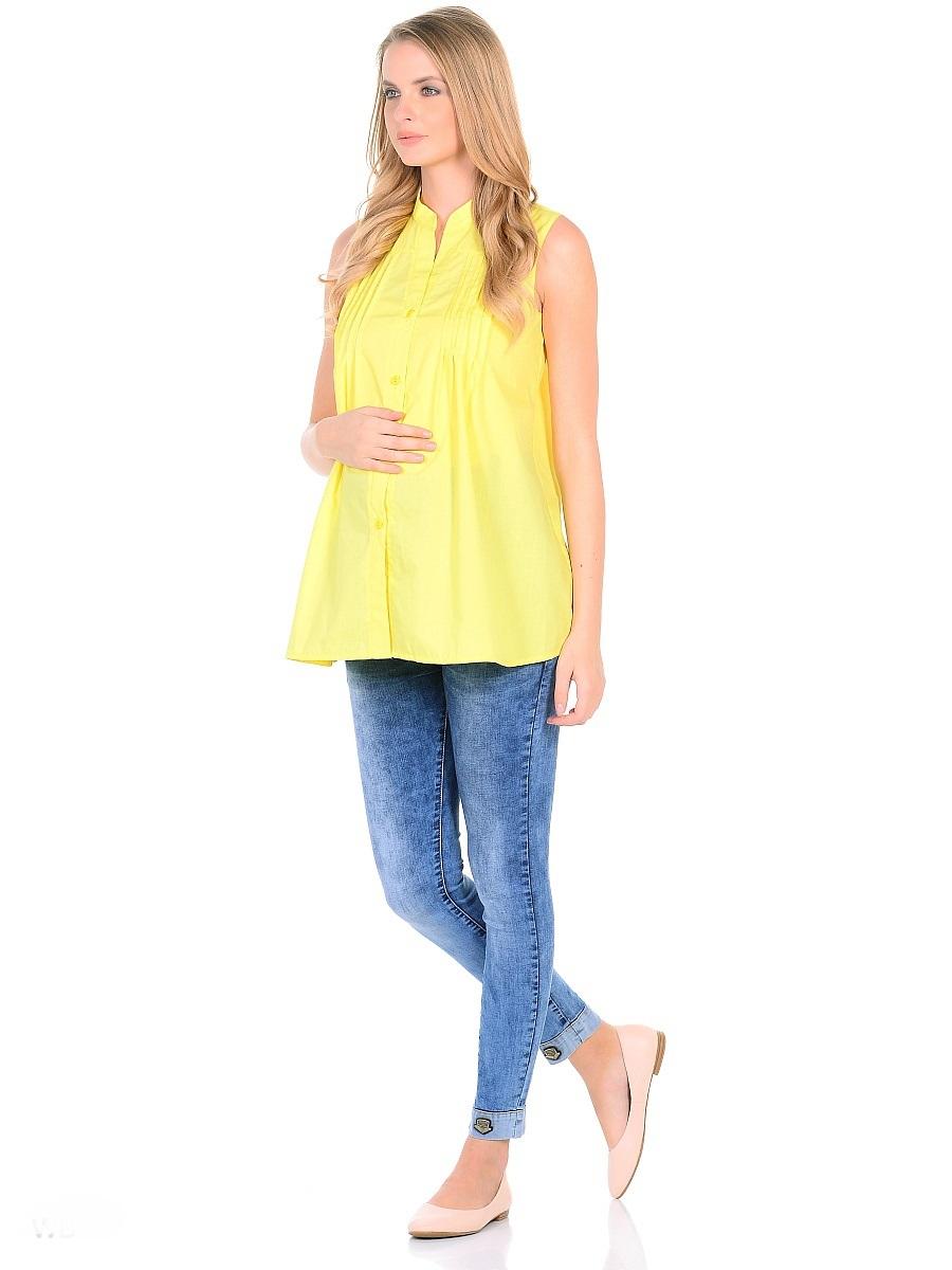Джинсы для беременных 40 недель, цвет: голубой. 103182. Размер 46103182Джинсы для беременных от бренда 40 недель - прекрасный вариант на каждый день! Модель длины 7/8, зауженного кроя, с высокой посадкой по талии. Джинсы имеют трикотажную кокетку с регулируемой резинкой в поясе, что позволяет носить такие джинсы с комфортом на любом сроке беременности и после рождения малыша. Передние и задние накладные карманы дополнены для практичности специальными заклепками в уголках, которые спасают джинсы от распарывания по шву. На переднем и заднем карманах набиты стильные надписи. Низ брючин с декоративными подворотами и с металлическими элементами декора. Вертикальные потертости визуально вытягивают, делая ноги стройнее. Благодаря оптимальному содержанию эластана, джинсы отлично садятся на любую фигуру, не сковывают движений, хорошо держат форму. Джинсы универсальны в своем применении, они комбинируются со многими предметами гардероба, в них образ выглядит стильно, современно и безупречно в любой ситуации.