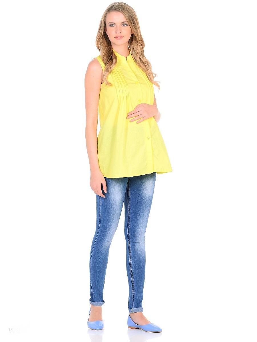 Джинсы для беременных 40 недель, цвет: голубой. 103185. Размер 46103185Джинсы для беременных от бренда 40 недель - прекрасный выбор для будущей мамы на каждый день. Модель зауженного кроя, с высокой посадкой по талии. Джинсы имеют трикотажную кокетку с регулируемой резинкой в поясе, что позволяет носить их с комфортом на любом сроке беременности и после рождения малыша. Передние и задние накладные карманы дополнены для практичности специальными заклепками в уголках, которые спасают джинсы от распарывания по шву. На переднем и заднем карманах - металлические декоративные элементы. Вертикальные потертости визуально вытягивают, делая ноги стройнее. Благодаря оптимальному содержанию эластана, джинсы отлично садятся на любую фигуру, не сковывают движений, хорошо держат форму. Джинсы универсальны в своем применении, они комбинируются со многими предметами гардероба, в них образ выглядит стильно, современно и безупречно в любой ситуации.
