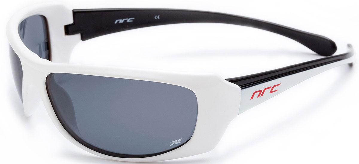 Очки солнцезащитные NRC, поляризованные, цвет: белый. 2100321003Очки солнцезащитные NRC - предназначены, как для езды на велосипеде, так и для многих других видов спорта. Бренд NRC известен собственными фирменными разработками, адаптирующими очки под разные климатические условия, различное время суток, степень освещенности, а также под индивидуальные потребности каждого конкретного пользователя. Особенности:Дымчатые поляризованные линзыМатериал оправы – термопластичный эластомер (ТPE)Оправа - небьющаяся, гибкая, мягкая, легкая, удобная и безопасная Материал линзы - триацетат целлюлоза (TAC)Особенности линзы - поляризованная [BIO]Покрытие – защитное от царапин [NOSCRATCH]Прозрачность -21%Категория фильтра -2Вес -28,3 гКривизна (изгиб) -9