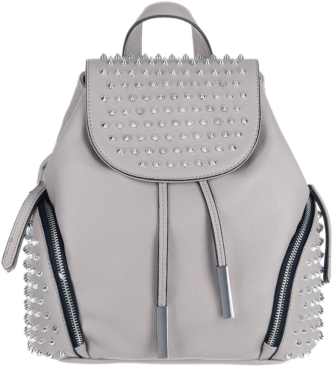Экстравагантный женский рюкзак на затяжках и с крышкой-клапаном на магнитной кнопке, заставит обратить на себя внимание. Изделие имеет одно отделение, два боковых кармана на молнии. Внутри отделения находятся два накладных кармашка под сотовый телефон или для мелочей и один прорезной карман на застежке-молнии. Оригинальный дизайн глам панк выражают металлические шипы на крышке-клапане и боковых карманах рюкзака. Рюкзак обладает удобной ручкой сверху для переноски и двумя регулируемыми плечевыми ремнями-лямками.