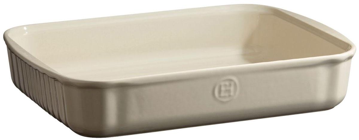 Форма для выпечки Emile Henry, прямоугольная, цвет: кремовый, 22 х 30 см029680Универсальная прямоугольная форма для выпечки Emile Henry имеет идеальный размер для встречи гостей! Тирамису, брауни, другие любимые десерты - дайте волю воображению.С помощью небольших ручек, форму легко извлекать или ставить в духовку, на стол.HR керамика идеально пропекает пироги изнутри.Изделия Emile Henry прекрасно держат температуру, как низкую, так и высокую, поэтому сервированные в них блюда долго остаются холодными или горячими, в зависимости от того, достали вы их из духовки или из морозильной камеры. Ваши хлебцы, пироги, торты, кексы и рулеты будут восхитительными в посуде Emile Henry.