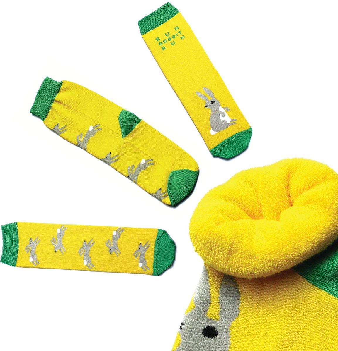Носки детские Big Bang Socks, цвет: желтый. n213. Размер 30/34n213Яркие носки Big Bang Socks изготовлены из высококачественного хлопка с добавлением полиамидных и эластановых волокон, которые обеспечивают великолепную посадку. Носки отличаются ярким стильным дизайном. Они оформлены изображением зайцев и надписью run, rabbit, run (беги, заяц, беги).