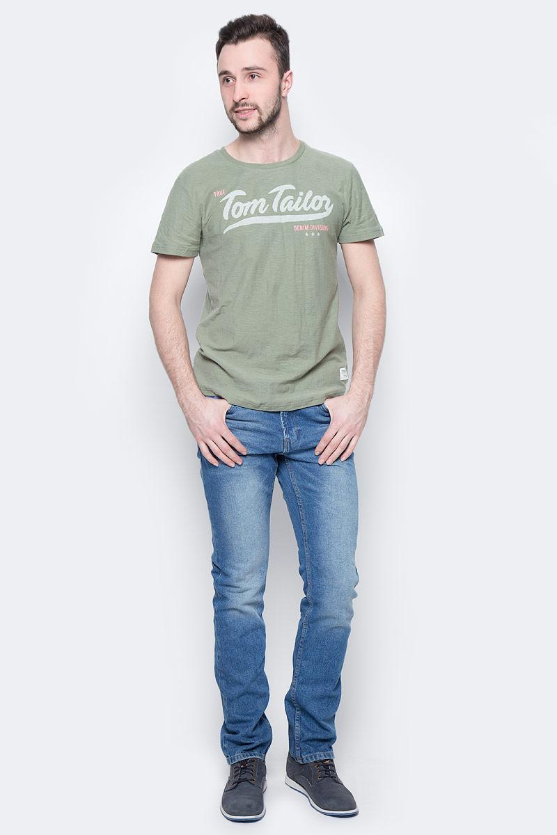 Джинсы мужские Tom Tailor Denim, цвет: синий. 6205614.62.12_1094. Размер 31-34 (46/48-34)6205614.62.12_1094Стильные мужские джинсы Tom Tailor Denim - джинсы высочайшего качества, которые прекрасно сидят. Модель-слим средней посадки изготовлена из высококачественного натурального хлопка, не сковывает движения и дарит комфорт.Джинсы на талии застегиваются на металлическую пуговицу и ширинку на молнии, а также имеют в поясе шлевки для ремня. Спереди модель дополнена двумя втачными карманами и одним накладным маленьким кармашком, а сзади - двумя большими накладными карманами. Изделие оформленоперманентными складками. Эти модные и в тоже время удобные джинсы помогут вам создать оригинальный современный образ.