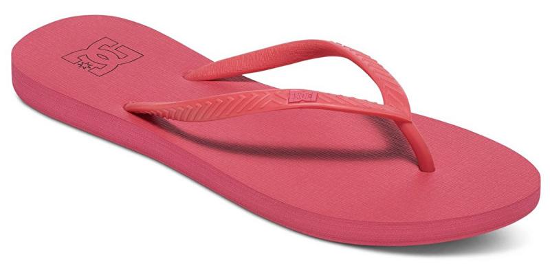 Сланцы женские DC Shoes Spray, цвет: малиновый. ADJL100014-DRT. Размер 9B (40,5)ADJL100014-DRTЖенские сланцы от DC Shoes не оставят вас равнодушной! Эргономичная перемычка между пальцами отвечает за прочную фиксацию модели на стопе. Основание подошвы дополнено рифлением.