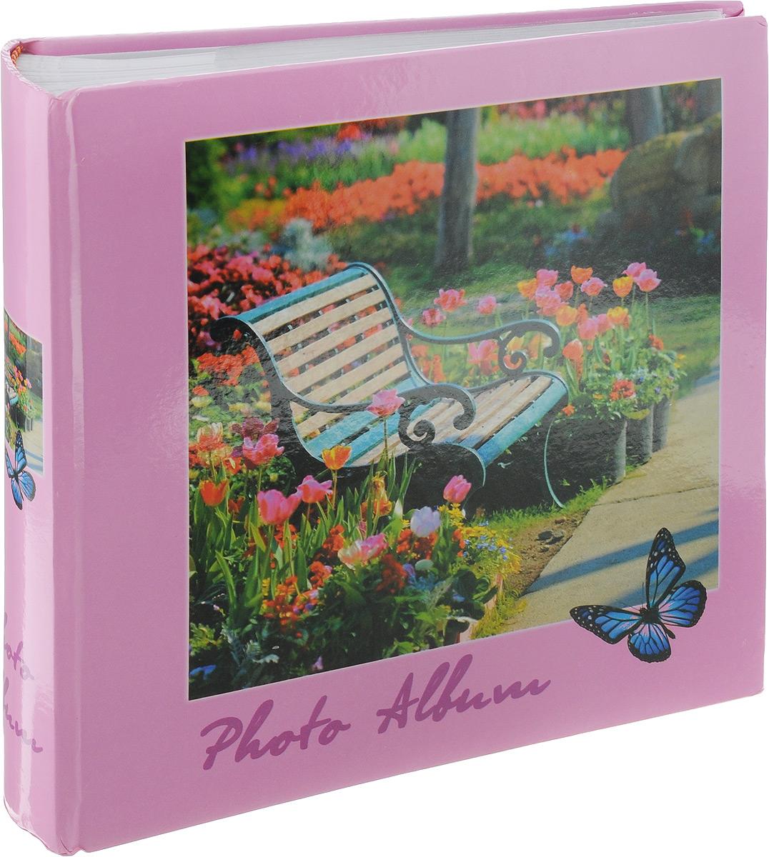Фотоальбом Pioneer 4 Seasons, 200 фотографий, цвет: розовый, 10 x 15 см46198 AB46200Фотоальбом Pioneer 4 Seasons позволит вам запечатлеть незабываемые моменты вашей жизни, сохранить свои истории и воспоминания на его страницах. Обложка из толстого картона оформлена оригинальным принтом. Фотоальбом рассчитан на 200 фотографии форматом 10 x 15 см. На каждом развороте имеются поля для заполнения и два кармашка для фотографий. Такой необычный фотоальбом позволит легко заполнить страницы вашей истории, и с годами ничего не забудется.Тип обложки: Ламинированный картон.Тип листов: бумажные.Тип переплета: книжный.Кол-во фотографий: 200.Материалы, использованные в изготовлении альбома, обеспечивают высокое качество хранения ваших фотографий, поэтому фотографии не желтеют со временем.