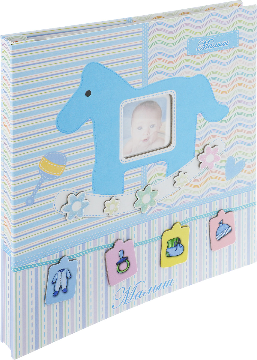 """Фотокнига Pioneer """"Our Baby 3"""" позволит вам запечатлеть моменты жизни вашего ребенка. Изделие выполнено из картона и плотной бумаги,  может быть использована для создания памятного альбома в технике скрапбукинг. В книге находится 20 страниц-анкет для заполнения и рамка  для фото. Всего внутри может быть расположено 20 фото.  Тип скрепления: спираль Формат фотографий: 23 х 28 см Материал страниц: бумага Тип страниц: магнитный"""