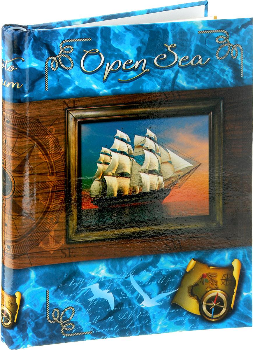"""Фотоальбом Pioneer """"Open Sea"""" позволит вам запечатлеть незабываемые моменты вашей, сохранить свои истории и воспоминания на его страницах. Обложка из толстого картона оформлена оригинальным принтом. Фотоальбом рассчитан на 20 фотографии форматом 23 х 28 см. Такой необычный фотоальбом позволит легко заполнить страницы вашей истории, и с годами ничего не забудется.Тип обложки: Ламинированный картон.Тип листов: магнитные.Тип переплета: спираль.Материалы, использованные в изготовлении альбома, обеспечивают высокое качество хранения ваших фотографий, поэтому фотографии не желтеют со временем."""