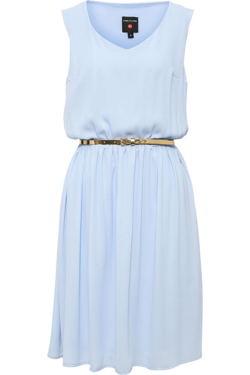 Платье женское Finn Flare, цвет: светло-голубой. S17-32030_106. Размер M (46)S17-32030_106Воздушная модель без рукавов и с симпатичным V-образным вырезом. На талии имеется утяжка, благодаря которой создается более привлекательный силуэт. Сочный цвет как никакой другой освежит ваш летний гардероб. Выполнено платье из полиэстера, имеется подкладка.