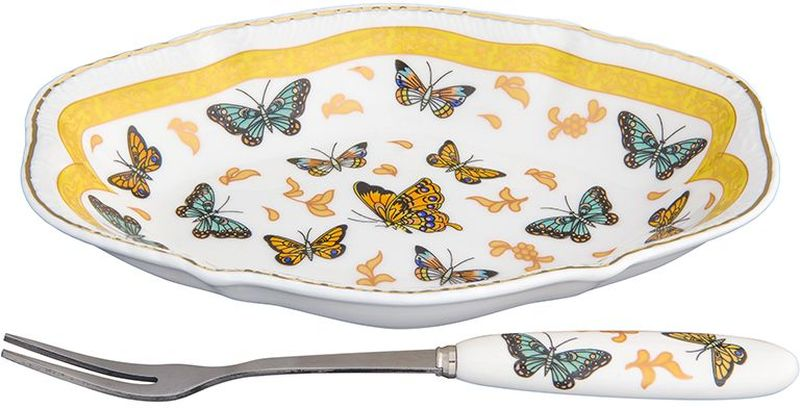 """Элегантная тарелка Elan Gallery """"Бабочки"""", изготовленная из высококачественного фарфора,поможет сервировать нарезанный дольками лимон, оливки и другие закуски. Тарелка декорирована изысканным изображением бабочек. Вилочка, выполненная из металла, удобнаи проста в использовании. Тарелка Elan Gallery """"Бабочки"""" придется по вкусу иценителям классики, и тем, кто предпочитает утонченность и изящность. Она украсит сервировку вашегостола и подчеркнет прекрасный вкус хозяина.Размер тарелки (с учетом ручек): 15 см х 10 см х 2,5 см."""