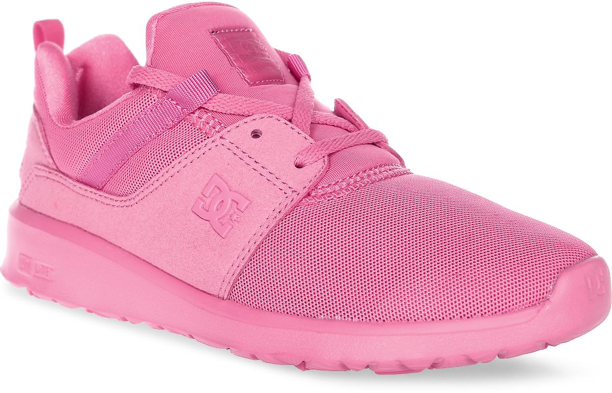 Кроссовки женские DC Shoes Heathrow, цвет: розовый. ADJS700021-DRT. Размер 9,5B (41)ADJS700021-DRTСтильные женские кроссовки DC Shoes Heathrow - отличный вариант на каждый день.Модель выполнена из текстиля. Шнуровка надежно фиксирует обувь на ноге. Резиновая подошва с протектором гарантирует отличное сцепление с поверхностью. В таких кроссовках вашим ногам будет комфортно и уютно.